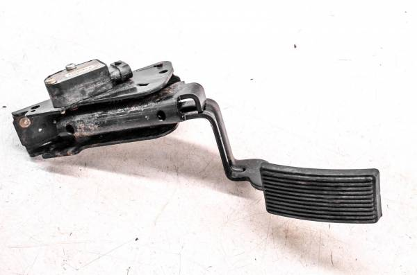 Can-Am - 18 Can-Am Defender Max XT HD8 4x4 Gas Throttle Pedal